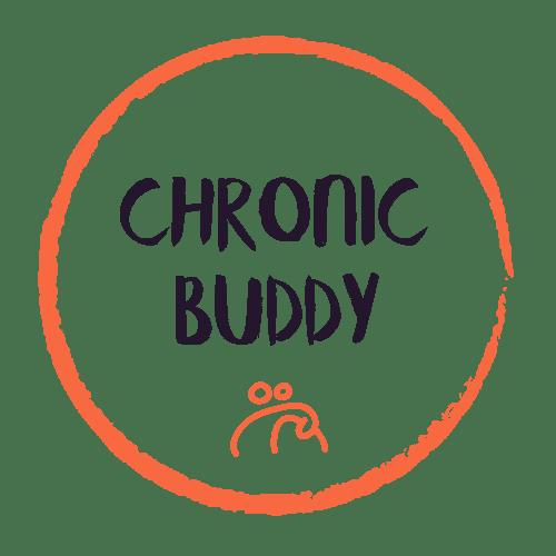 Logo de Chronic Buddy est composé d'un cercle couleur corail à l'intérieur duquel est écrit Chronic Buddy en bleu marine. En dessous du titre se trouve un dessin de deuc compagnons qui se tiennent par l'épaule